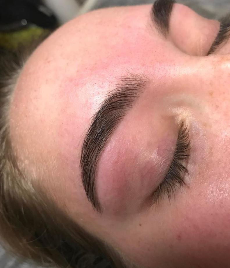 Eyebrow wax & Tint